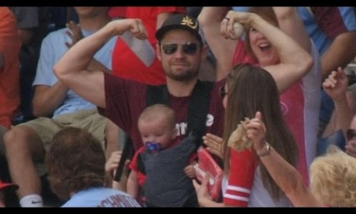 Dad Catches Foul Ball while Holding Baby